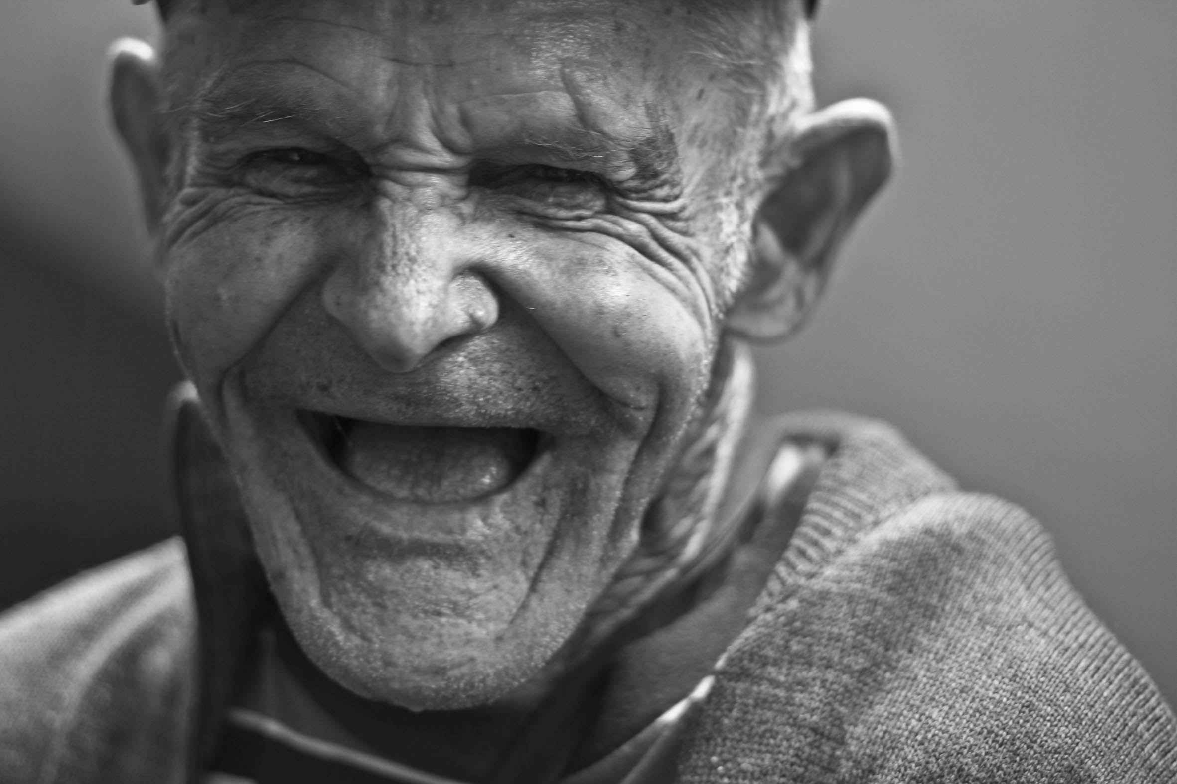 Old guy laughing black-and-white-close-up-156731 - Copy